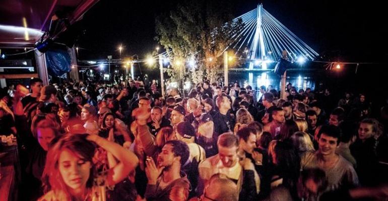Imprezowy piątek w Warszawie!