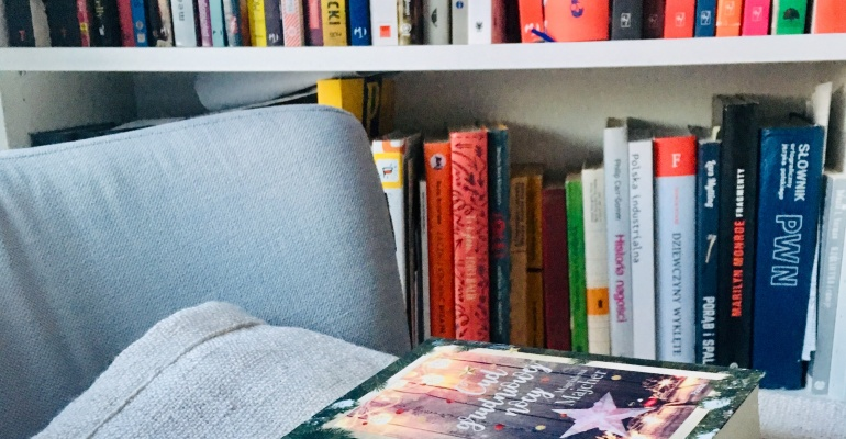 Książki, które idealnie sprawdzą się jako prezenty pod choinkę