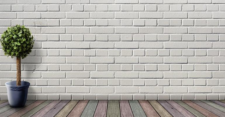 5 pomysłów na ozdobienie pustej ściany