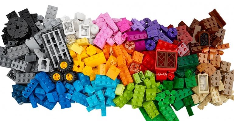 Specjalne kapcie dla fanów LEGO kolego