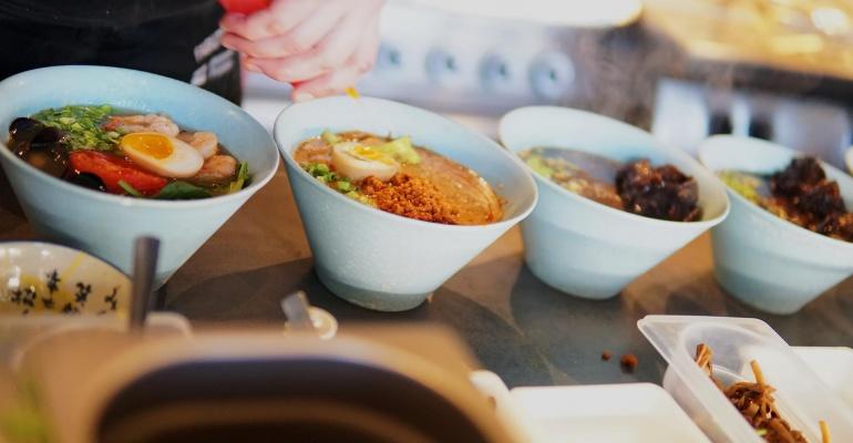 Kuchnie Z Różnych Zakątków świata łódź Mówią Na Mieście