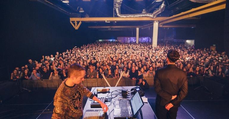 Bass Astral x Igo. Jesienią duet odwiedzi 8 polskich miast