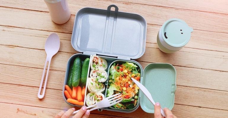 Jak przygotować zdrowy i pożywny lunch do pracy?
