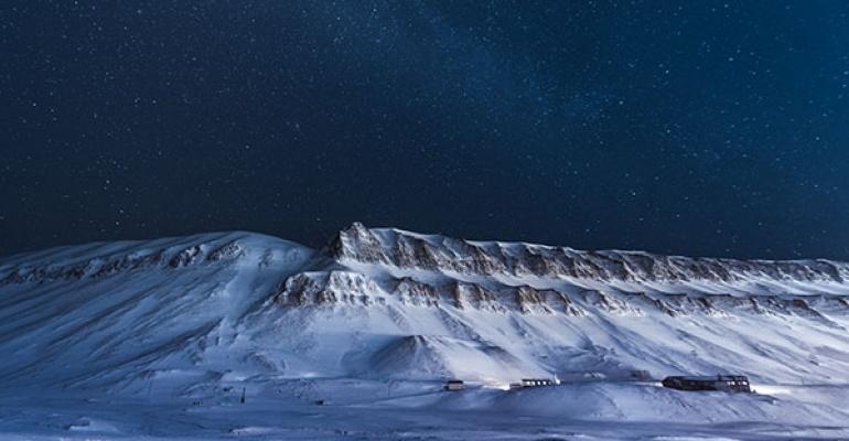 Twórczość Tokarczuk zachowana na wieki w śniegach Arktyki