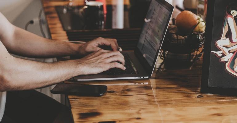 Jakie oszczędzić z kantorem internetowym?