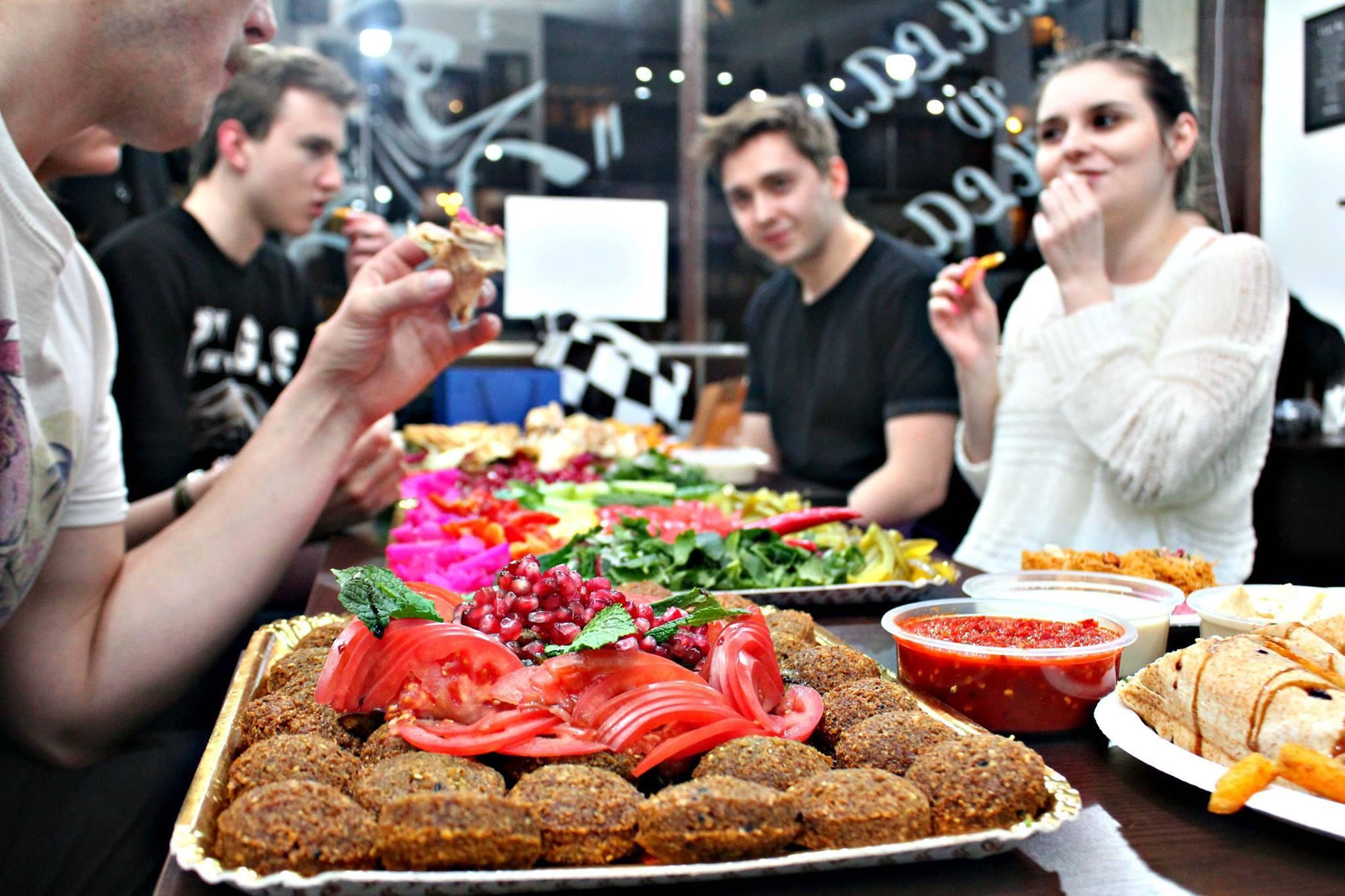 Kuchnia Libanska W Stolicy Gdzie Ja Znalezc Mowia Na Miescie